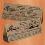 Camisetas, pegatinas,Transfer Serigrafico,Serigrafia Madrid,Serigrafia en Vallecas,Serigrafia en Vallecas,Calendario triangular sobremesa plastico Madrid www.serigrafia-akros.es